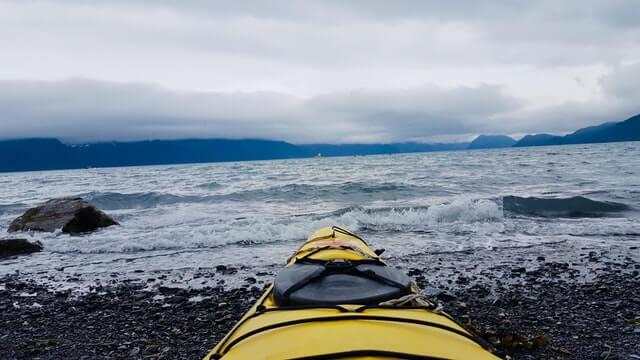 kayaking-on-the tide